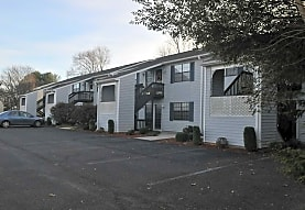Forestside Apartments, Forest, VA