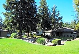 The Woodlands, Fresno, CA