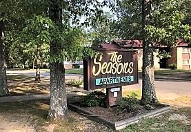 The Seasons Apartments, Pine Bluff, AR
