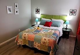Suncrest Apartments, Raytown, MO