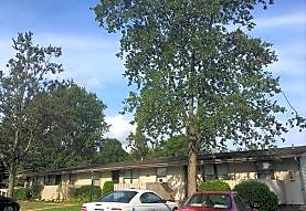 Newberry Apartments, Grove City, PA
