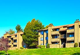 Woodcliffe Apartment Homes, Renton, WA