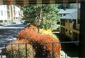 Chestnut Place, Milwaukie, OR