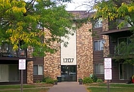 Earle Brown Farm Apartments, Brooklyn Center, MN