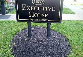 Executive House Apartments, Lakewood, OH