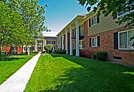 Jamestown Apartments, Farmington, MI