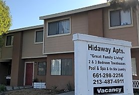 Hidaway Apartment Homes, Canyon Country, CA