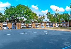 MacArthur Place at 183, Irving, TX