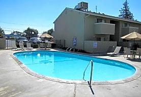 Merit Manor Apartments, Clovis, CA