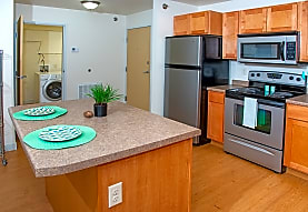 Ashland Apartments, Grand Forks, ND