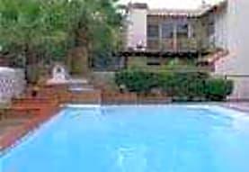 Villa De Leon Garden Apartments, El Paso, TX