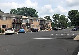 Hawk Lake Apartment & Townhomes, Walled Lake, MI