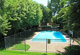Giardini Bella, Riverside, CA