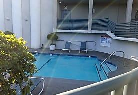 10905 Ohio, Los Angeles, CA