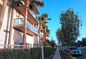 VIVANTE ON THE COAST, Costa Mesa, CA