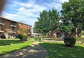 The Meadows Patio Apartments-HEAT INCLUDED!, Parma, OH