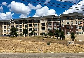 THE PINNACLE AT EDENHILL Apartments - New Braunfels, TX 78130