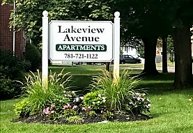Lakeview Avenue apartments, Reading, MA