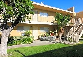 Lakewood Gardens Apartments, Lakewood, CA