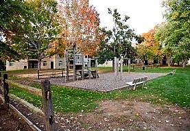 The Commons of McLean, McLean, VA