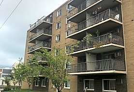 Mark Twain Apartments, Lakewood, OH