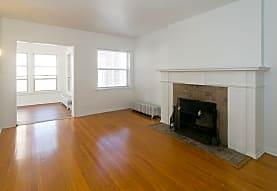 Harper Court Apartments, Chicago, IL