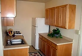 Milverton Apartments, Cleveland, OH