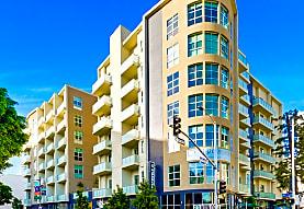 E on Grand, Los Angeles, CA