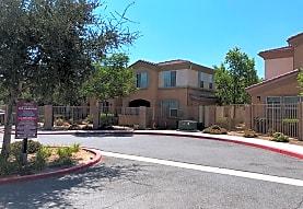 Oakwood Apartments, Moreno Valley, CA