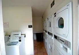 Hidden Oaks Apartments, Jacksonville, FL