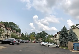 Forest View Townhomes & Apartments, Waterford, MI
