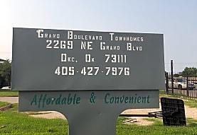 Grand Blvd Townhomes Apartments, Oklahoma City, OK