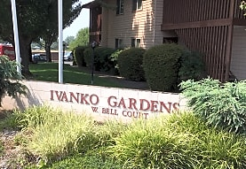 Ivanko Gardens Apartments, Medford, OR