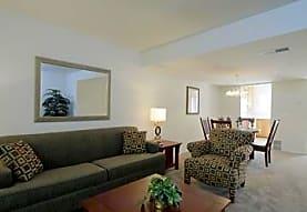 Golfside Lake Apartments, Ypsilanti, MI