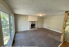1902 N Old Orchard Ave, Springfield, MO