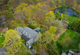23 Old Orchard Ln, Stamford, CT