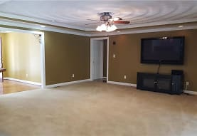 3512 Douglas Rd, Chesapeake, VA
