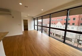 Red Oak at 875 Elm Street Apartments, Manchester, NH