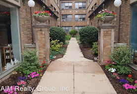 1008 Curtiss St, Downers Grove, IL