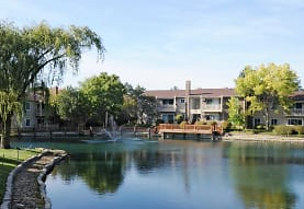 Natural Falls Resort Apartments, Woodridge, IL