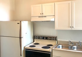 303 Bank St Apartments - Suffolk, VA 23434
