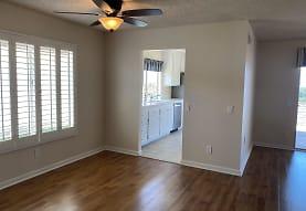 6731 Russelia Ct, Carlsbad, CA