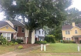 217 Triple Oaks Dr, Tucker, GA