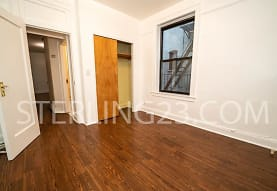 23-24 31st Ave, Queens, NY