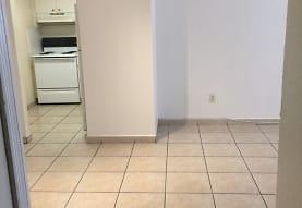 606 W 81st St, Hialeah, FL