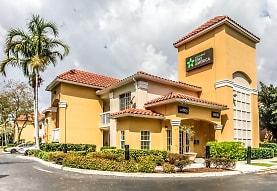 Furnished Studio - Miami - Airport - Blue Lagoon, Doral, FL