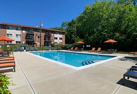 view of pool, Fox Run
