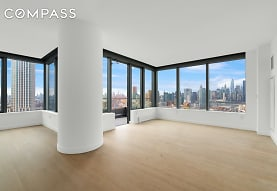 3 Ct Square W 2911, Queens, NY
