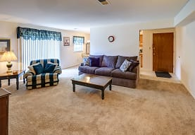 Colonial Crest Apartments, Muncie, IN