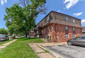 Crestwood Apartments, Davenport, IA